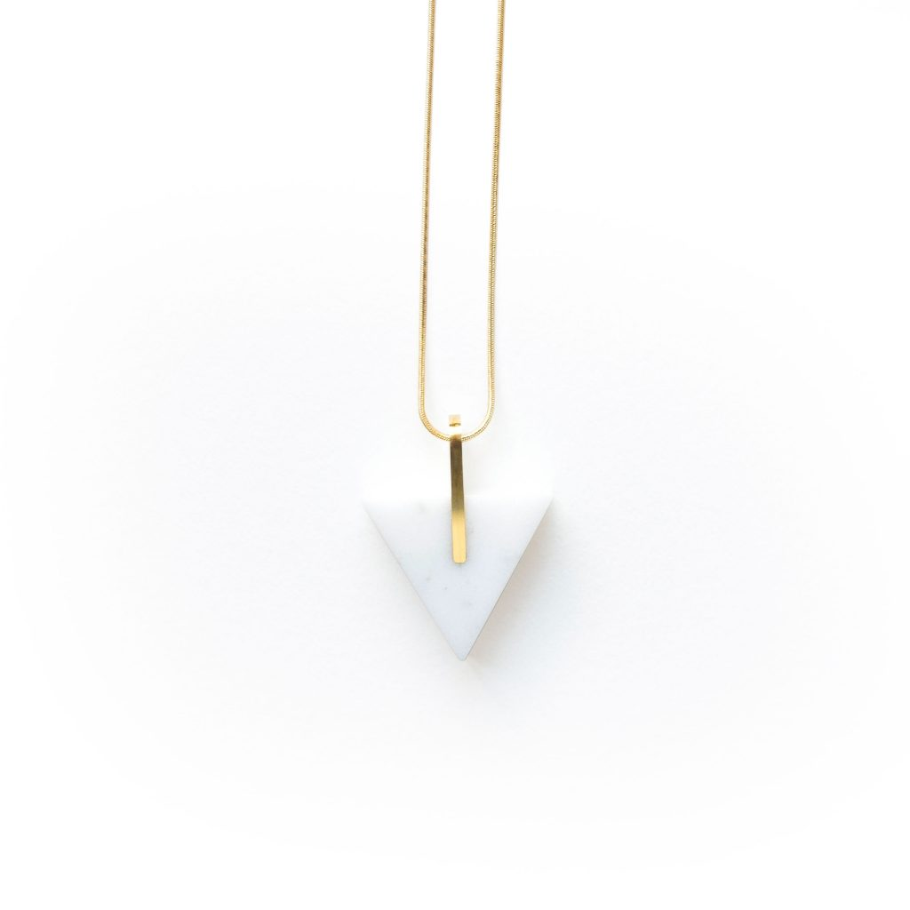 metaformi_design_jewelry_essential_triangle_bianco