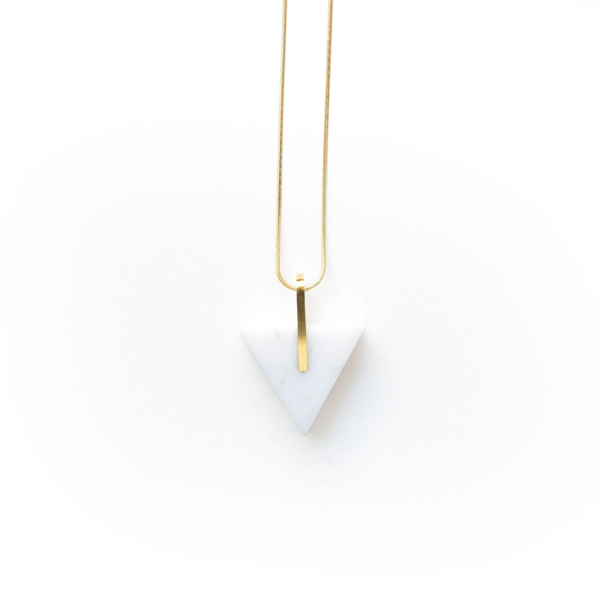 metaformi_design_jewelry_essential_triangle_bianco
