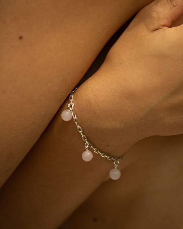 metaformi_design_jewelry_guilty_pleasures_silver_five_ball_bracelet_model