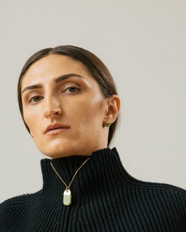 metaformi_design_jewelry_split_round_earrings_jade_model