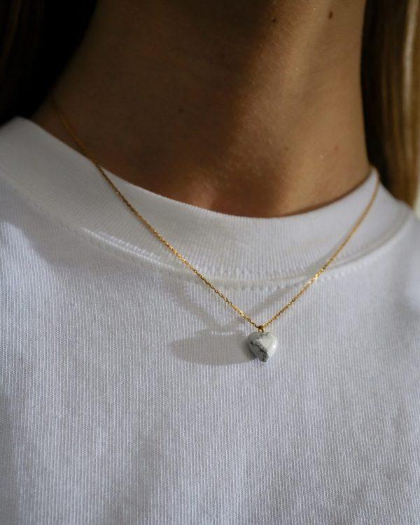 metaformi_design_jewelry_guilty_pleasures_howlite_heart_necklace_model